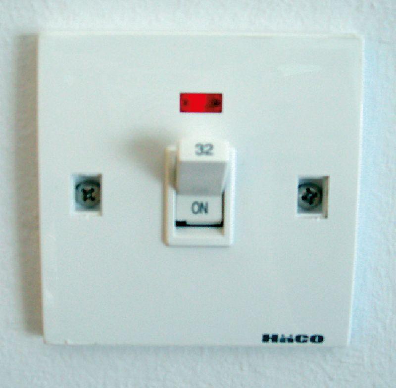 ไฟฟ้าลัดวงจร ภัยเงียบในบ้าน เช็ค